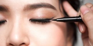 how to keep eye liner from smudging